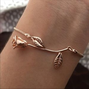 Jewelry - 💕2 for $20💕Rose Gold Rose Bracelet